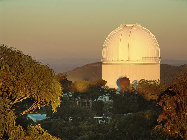 Siding Spring Observatory's Anglo Australian Telescope (external)