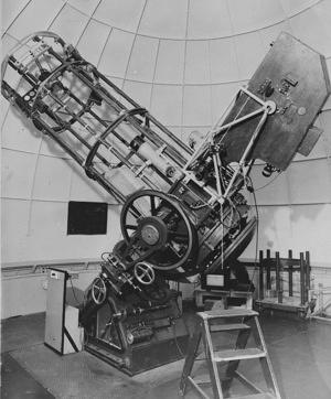 Reynolds fitted with a spectrograph designed by Dr Heinz Gollnow and built at Stromlo,  early 1950s